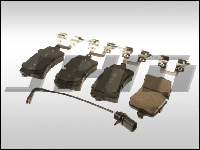 Brake Pad Set, Rear (Akebono) for C7 A6-A7 3 0T B8-RS5 4 2L